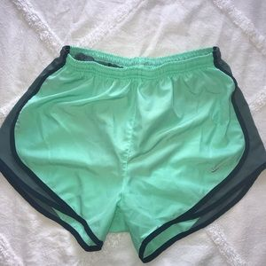 Nike Tempo running shorts size medium